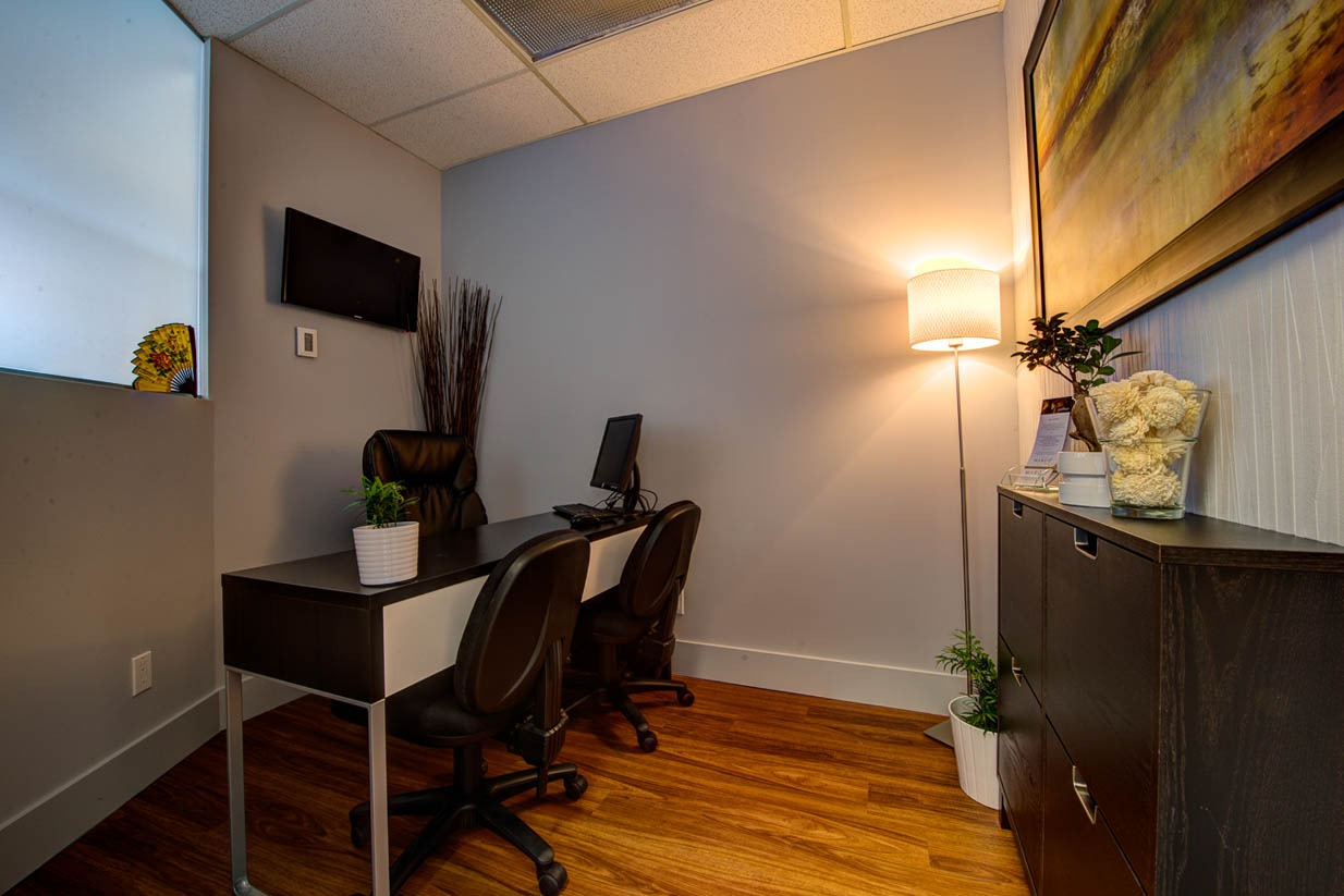 Mount Royal Village Family Chiropractic | Office