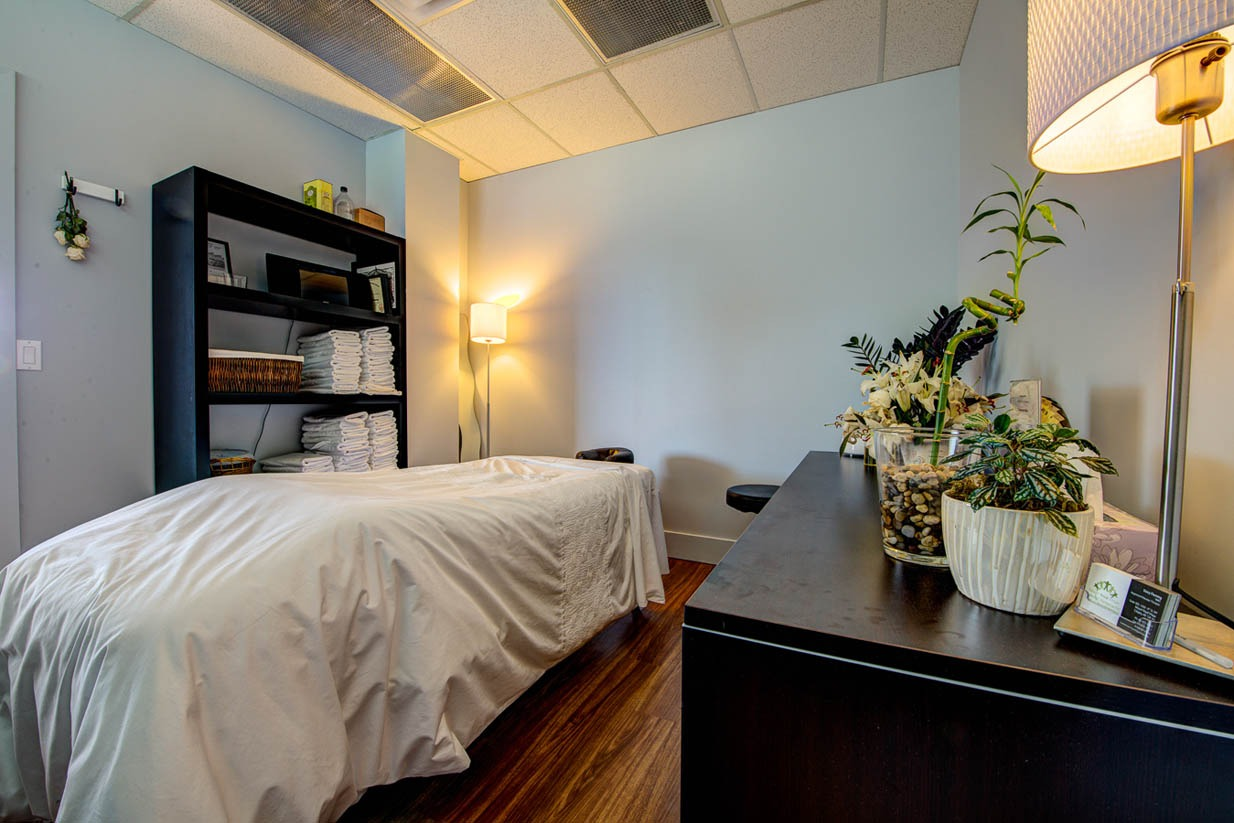 Mount Royal Village Family Chiropractic | Massage Room